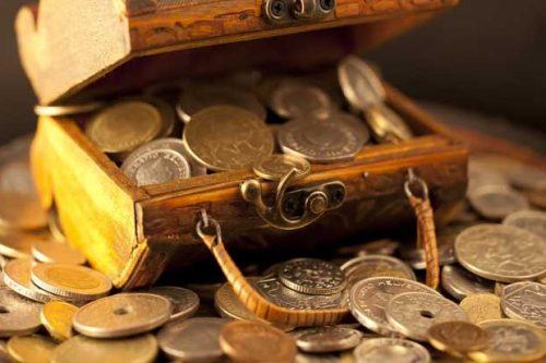 कौनसी तीन आदतों की वजह से धन के लिए परेशान होते है लोग